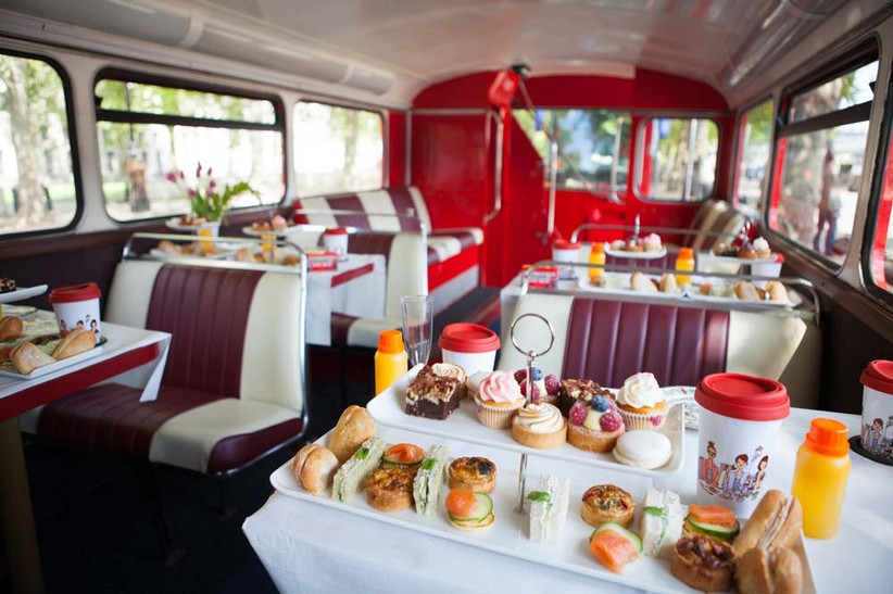 afternoon-tea-bus-experiences-around-london-with-gohen-com-2