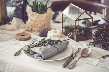 Wedding SOS: Does a DIY Wedding Actually Save You Money?