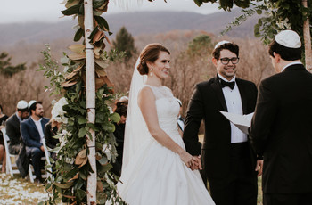 What to Expect at a Jewish Wedding: The Ceremony and Traditions Explained