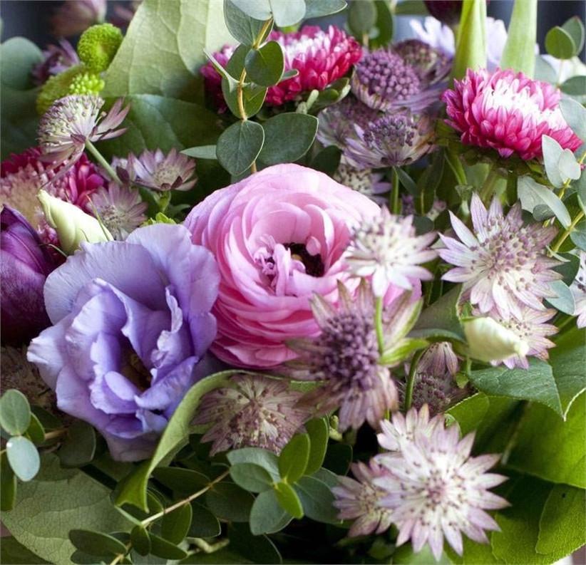 wedding-bouquet-with-astrantia