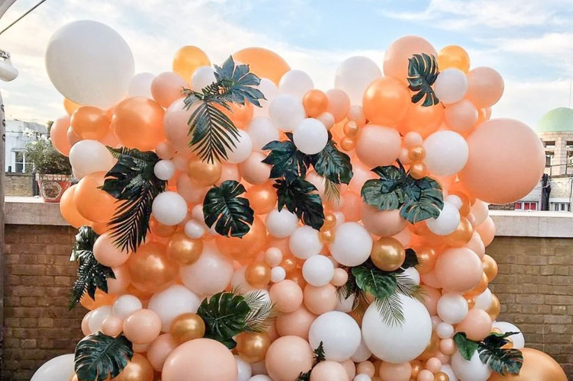 How To Create A Beautiful Balloon Wall In 5 Easy Steps Hitched Co Uk