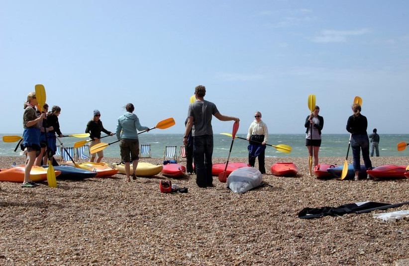 kayak-on-brighton-beach-2