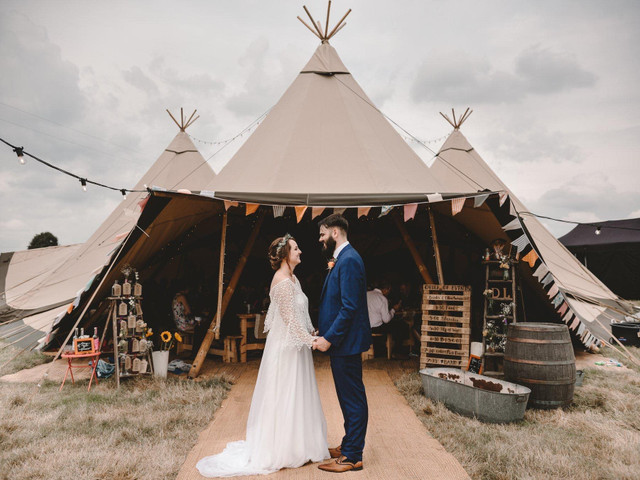 10 Tips for Planning a Tipi Wedding & 11 of the Best in the UK