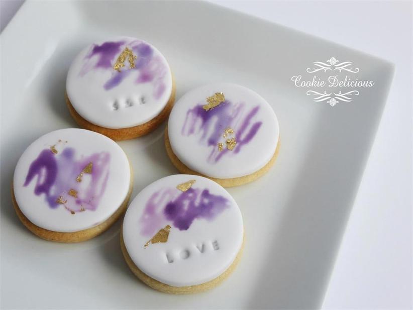 purple-watercolour-wedding-cookie-favours