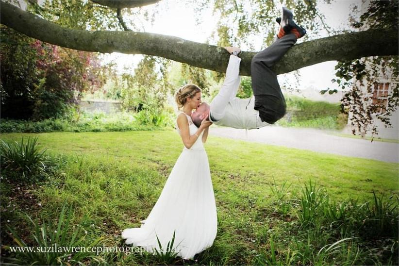 spiderman-style-kiss-wedding-photo-2