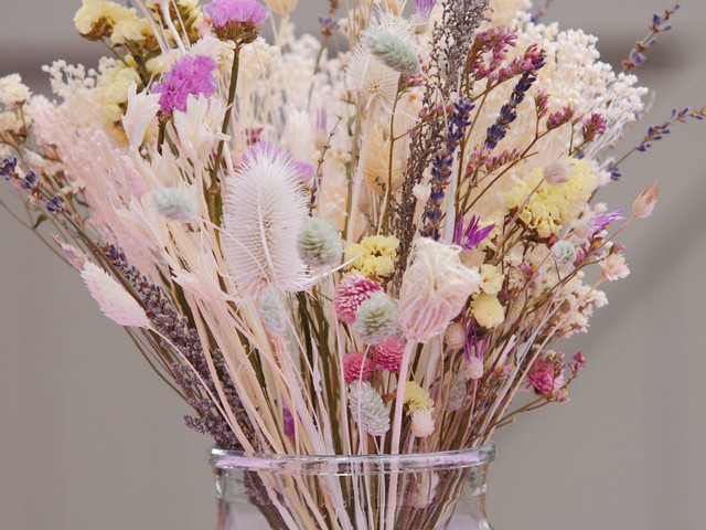 4th Wedding Anniversary Gifts: 31 Fruit, Flower, Appliance, Linen & Blue Topaz Ideas