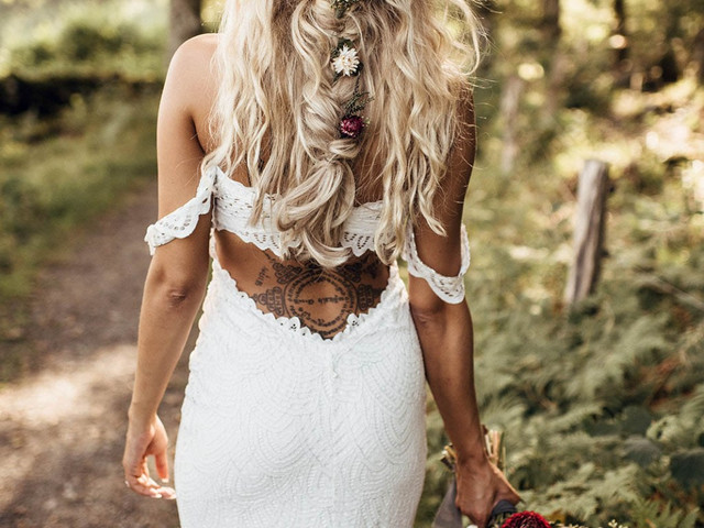 34 Boho Wedding Hairstyles for Every Bride
