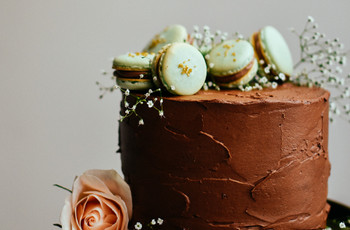 26 Mouth-Watering Chocolate Wedding Cakes