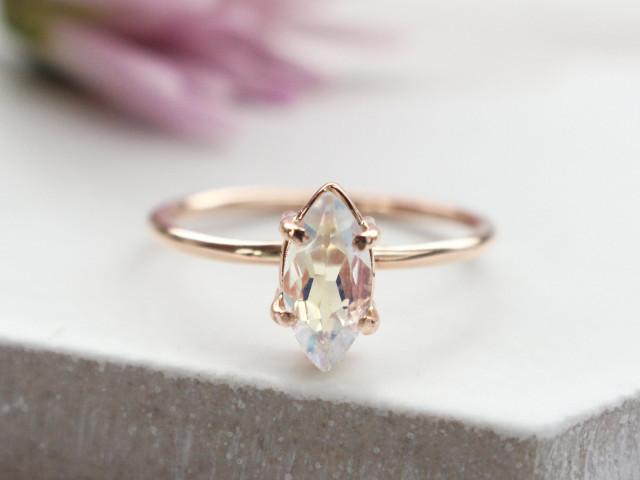 35 Beautiful Moonstone Engagement Rings for Alternative Brides