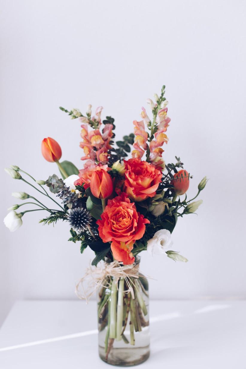 Small arrangement of wedding flowers