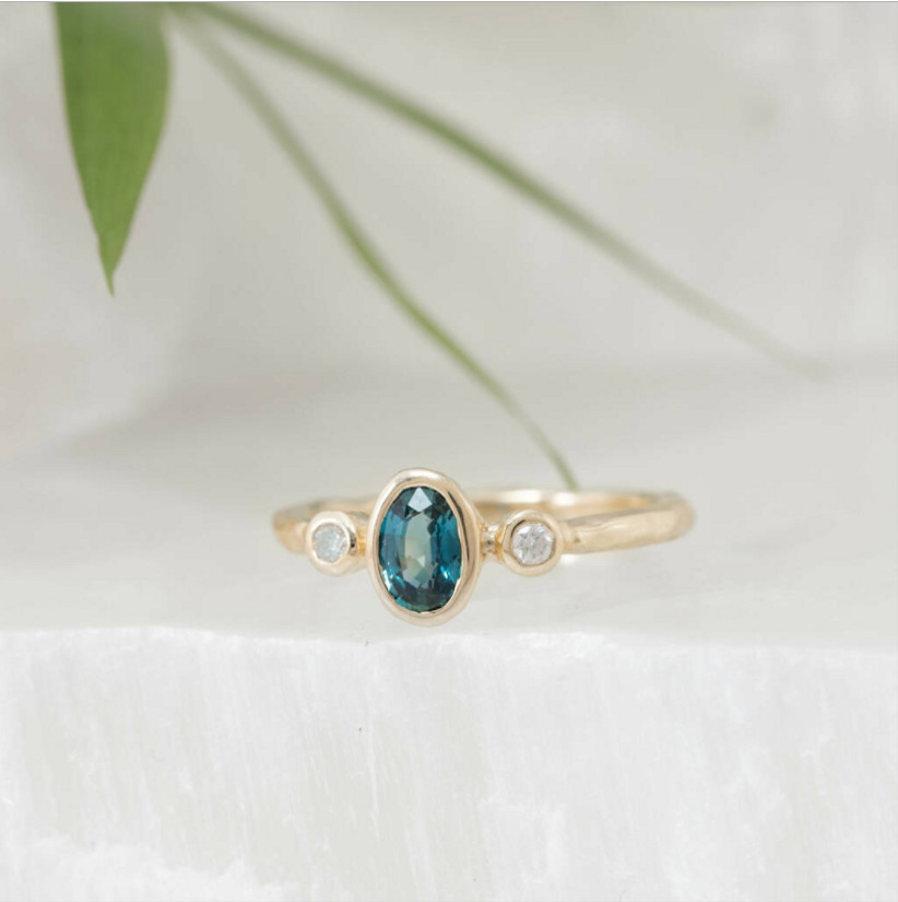 Sapphire oval ring