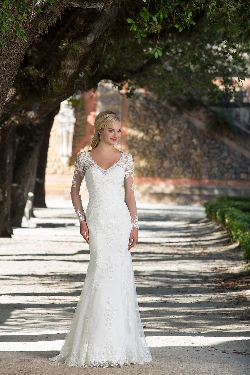 bella-swan-style-gown-by-sincerity-bridal