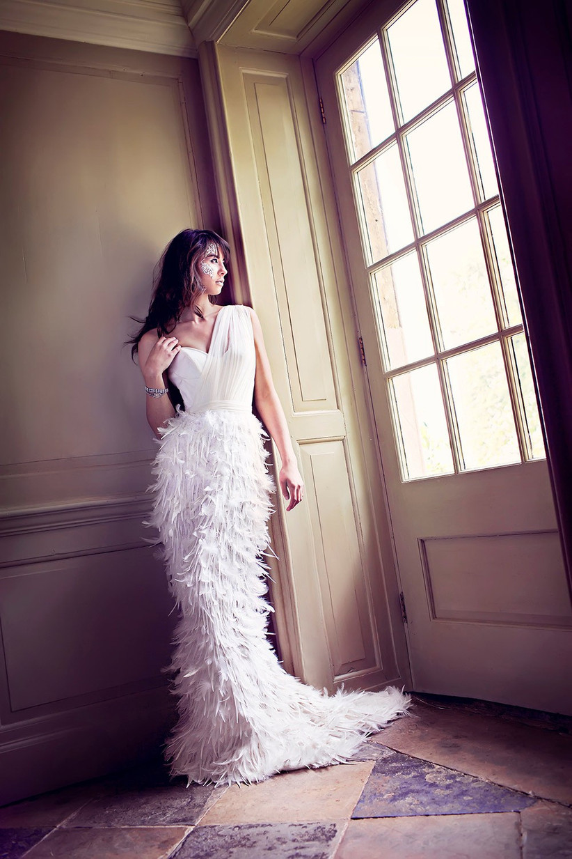 feather-wedding-dress-trend