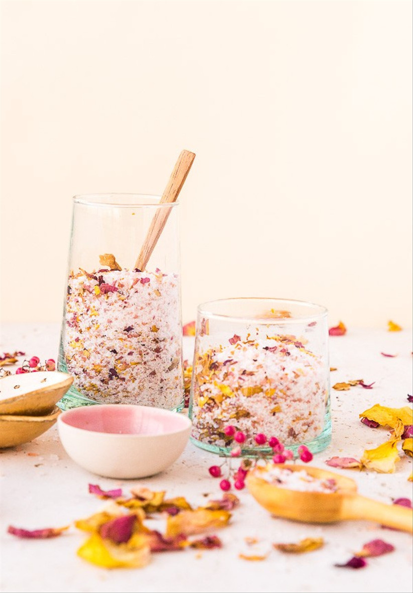 beauty-diy-how-to-make-rose-petal-bath-salts