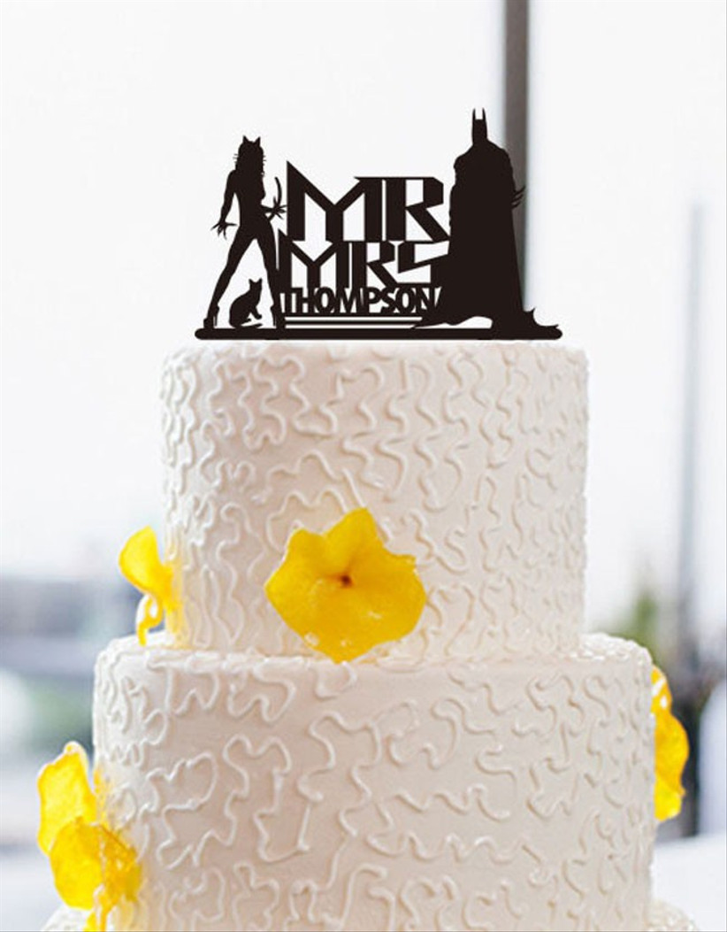 superhero-wedding-cake-topper