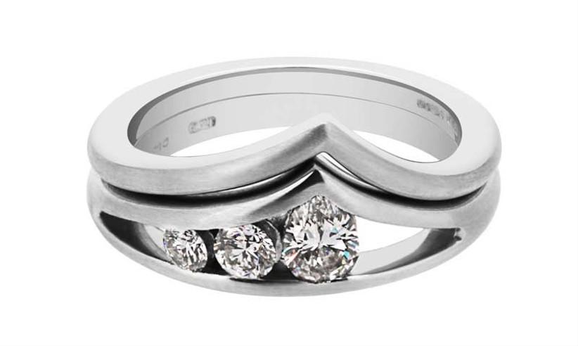 shaped-silver-wedding-ring