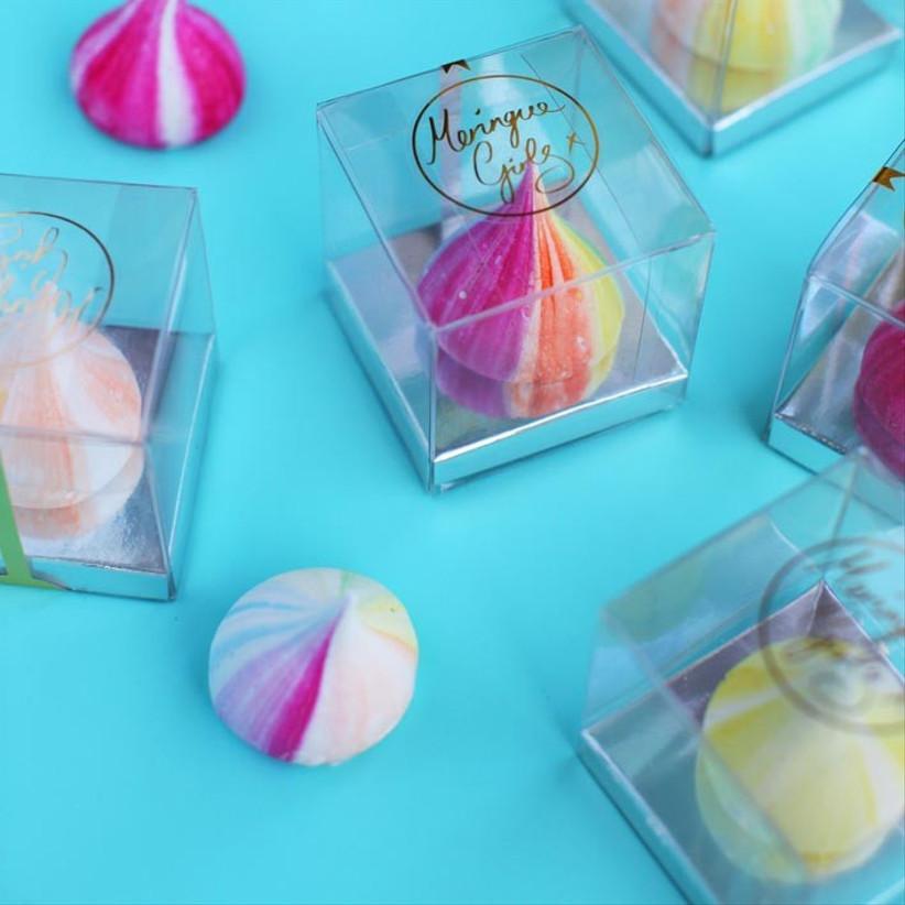 single-meringue-kisses