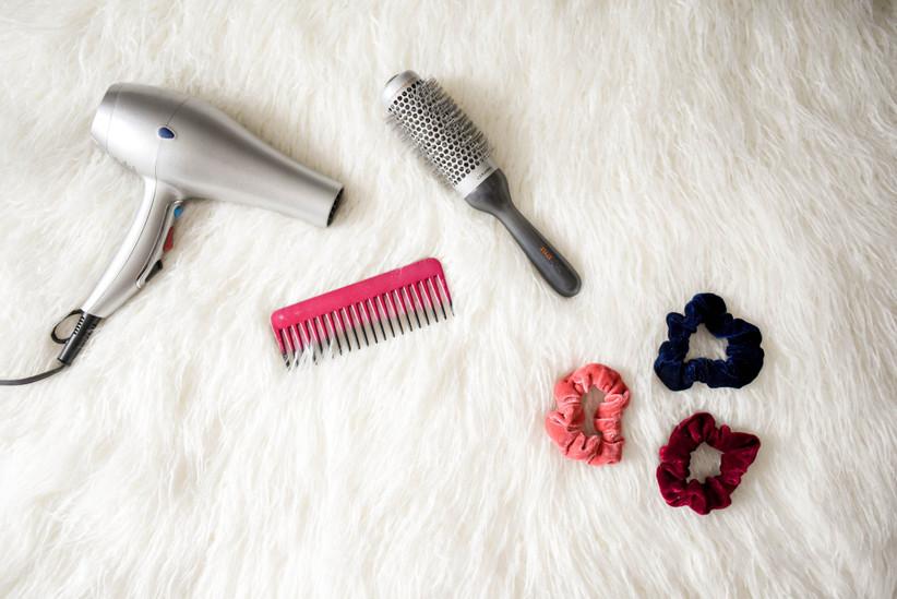 blow-dryer-brush-cosmetic-973402
