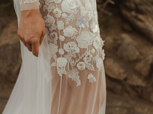 Wedding Dresses with Secret Messages: 13 Beautiful Ideas