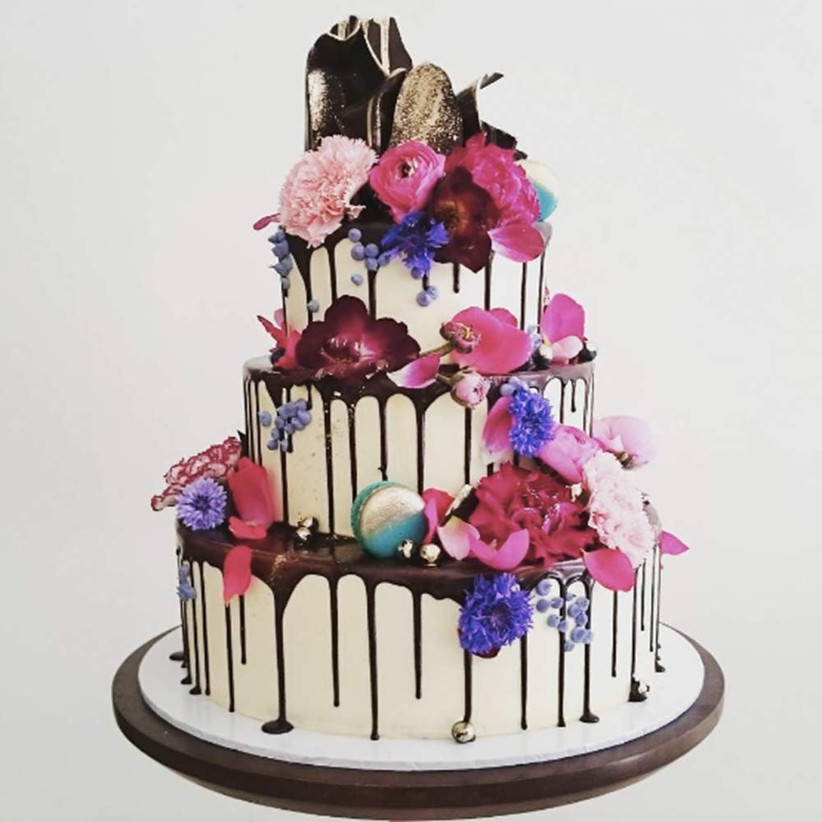 chocolate-drip-wedding-cake