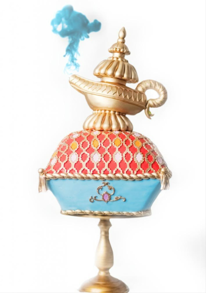 disney-wedding-cake-of-aladdins-lamp-with-smoke
