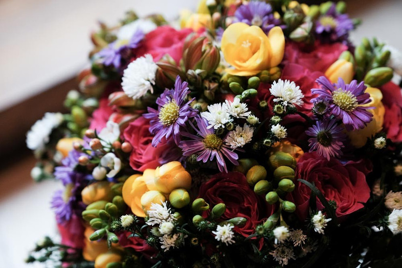 colourful-spring-wedding-bouquet