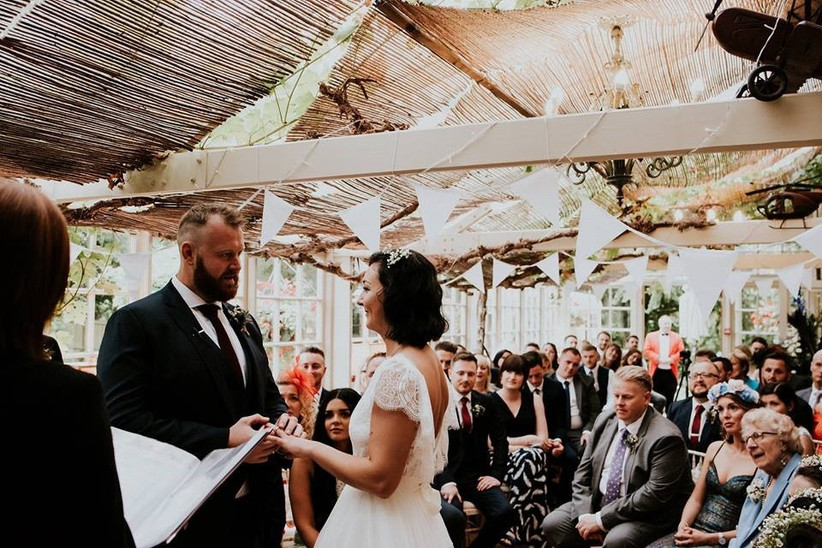 Small Wedding venues - The Crab and Lobster ceremony