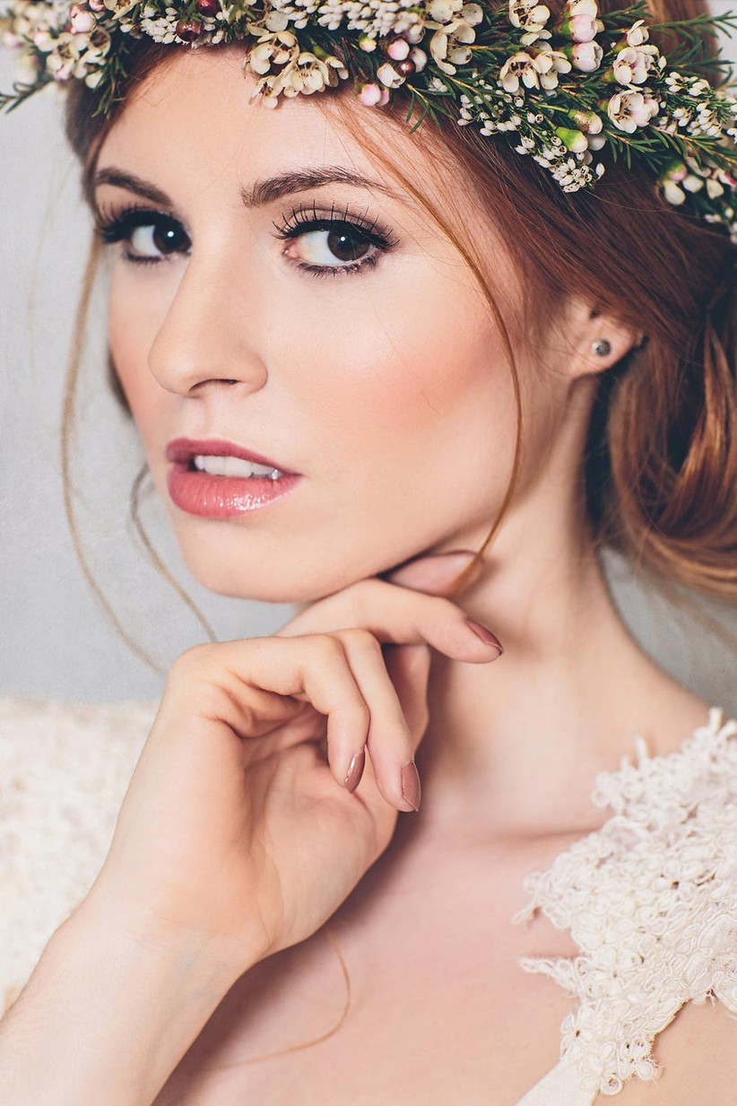 boho-style-bride-with-flower-crown-2
