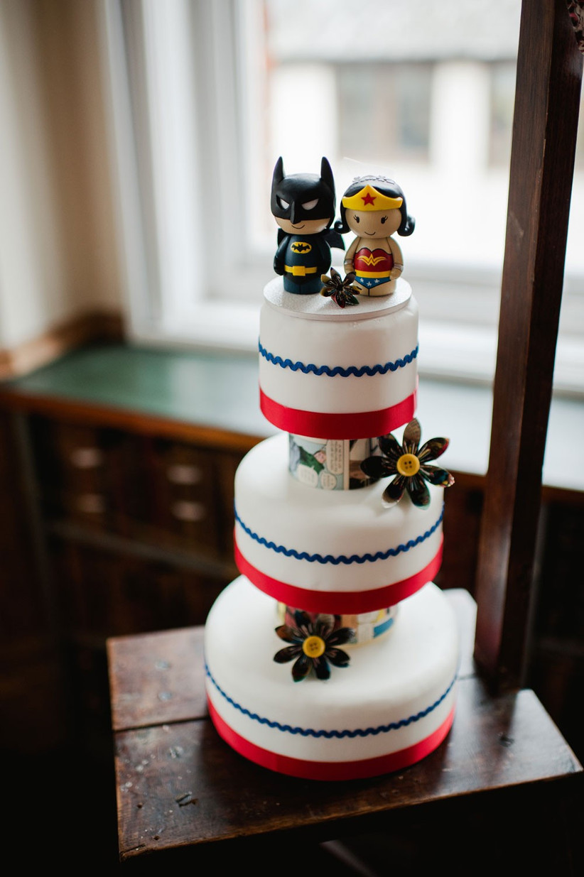 superhero-wedding-cakes