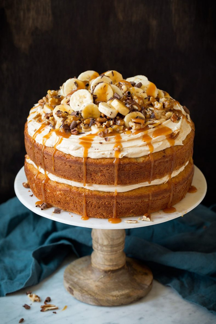 Single tier banoffee rustic wedding cake with banana and toffee drizzle