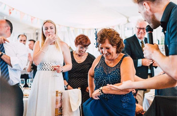 92 Awesome Ways to Entertain Your Wedding Guests