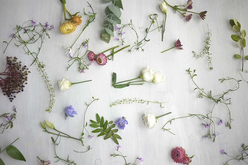 wild-wedding-flowers