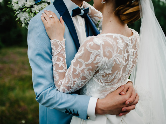 How to Postpone Your Wedding: 8 Steps to Take Now