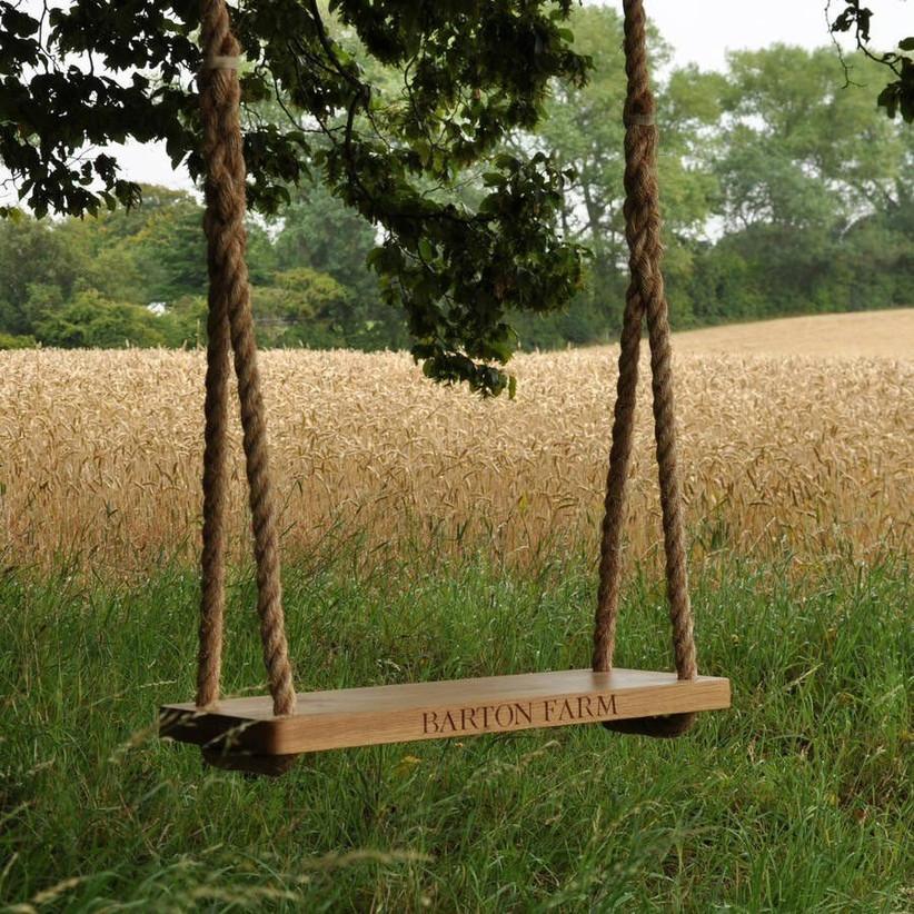 wooden-garden-swing