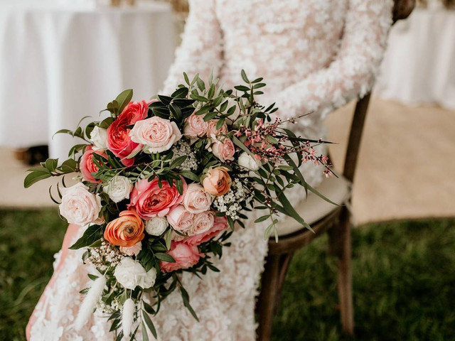 The 23 Must-Ask Questions for Your Wedding Florist