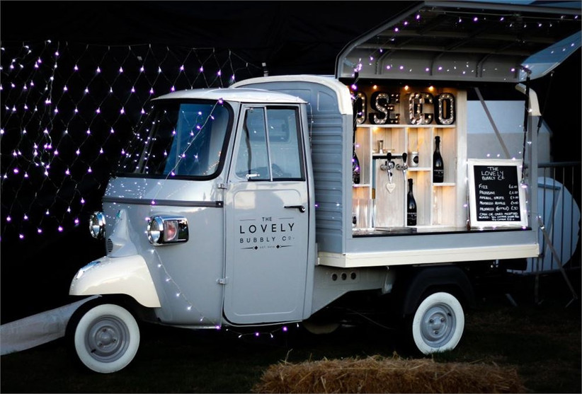the-lovely-bubbly-co-prosecco-van