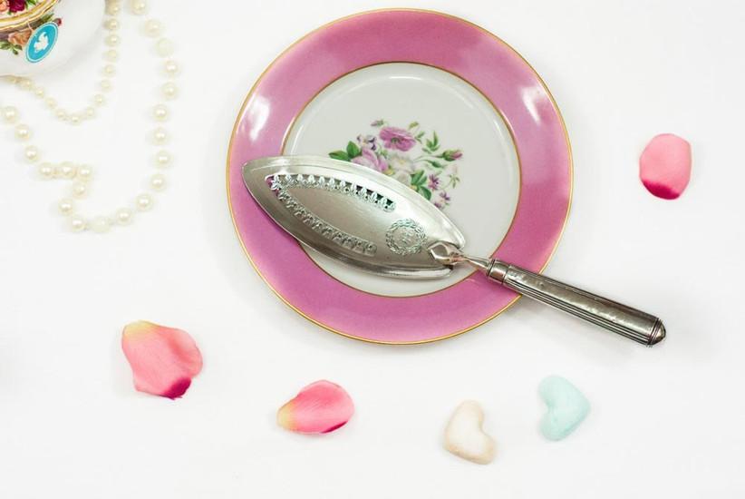 vintage-silver-wedding-cake-knife
