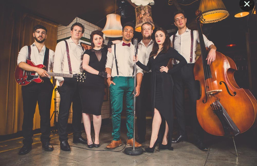 wedding-band-with-full-line-up-2