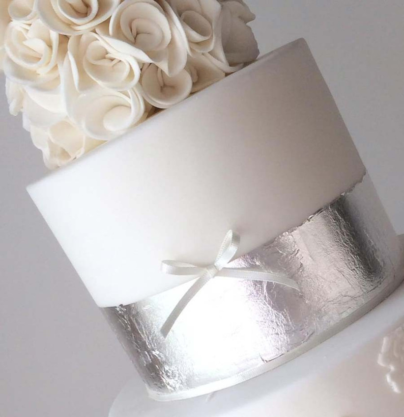 metallic-wedding-cakes-from-the-pink-frosting-cake-company