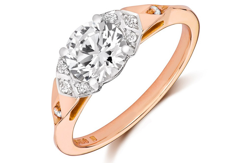 luci-solitaire-ring