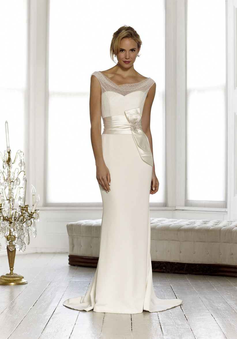 wedding-dresses-for-a-small-bust-10
