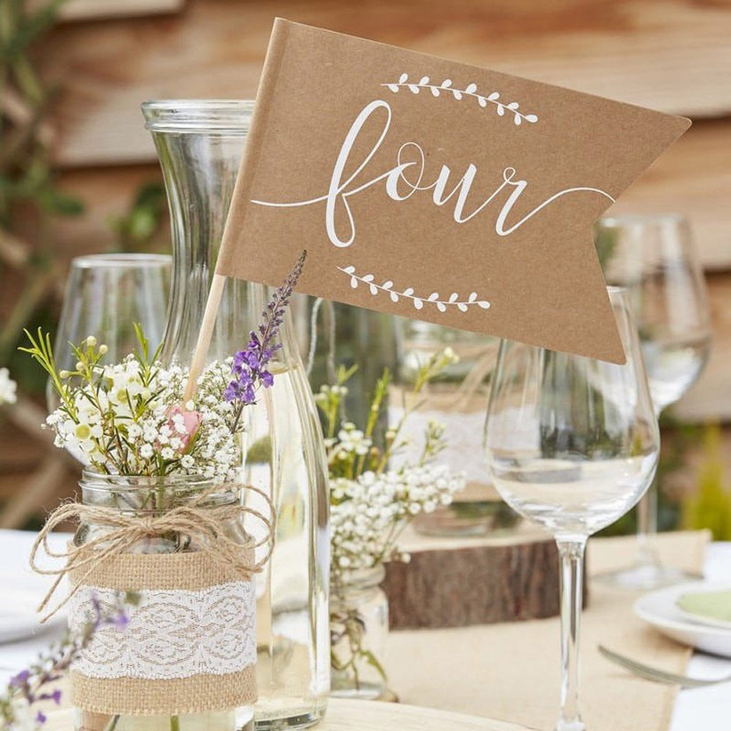 hessian-jar-centrepieces