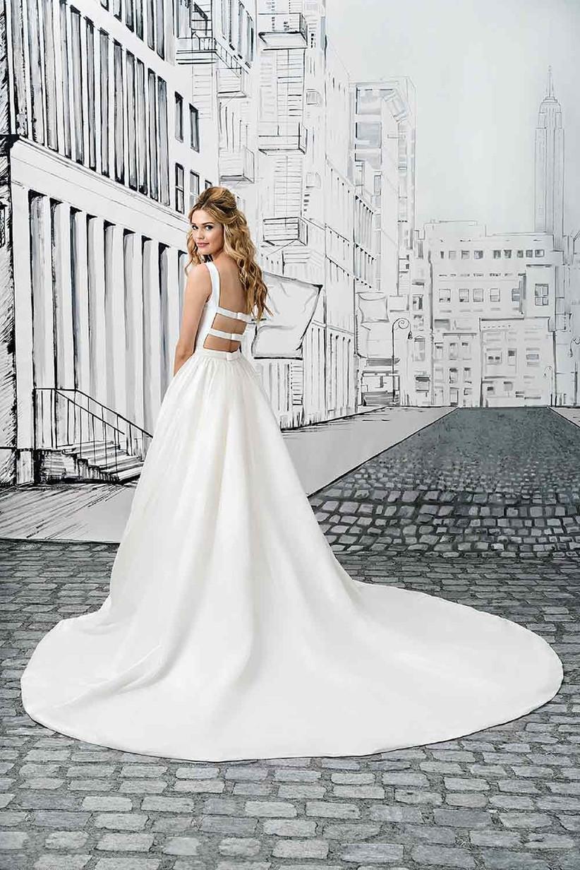 justin-alexander-bow-wedding-dress