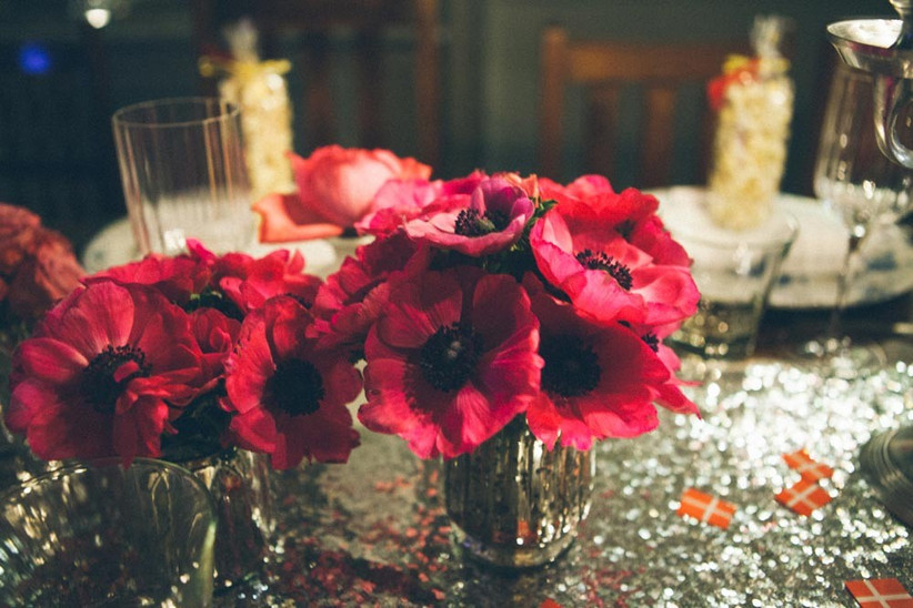 glitter-wedding-centrepieces-from-blue-sky