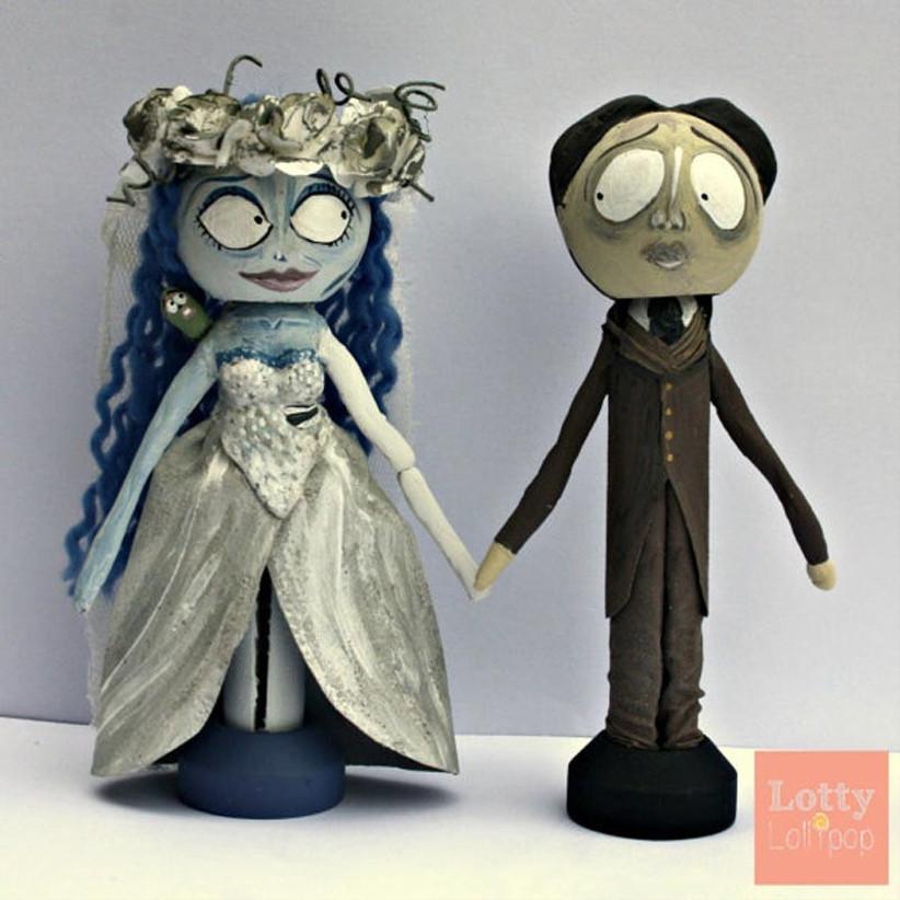 awesome-wedding-cake-toppers-for-tv-and-film-buffs-corpse-bride-cake-topper