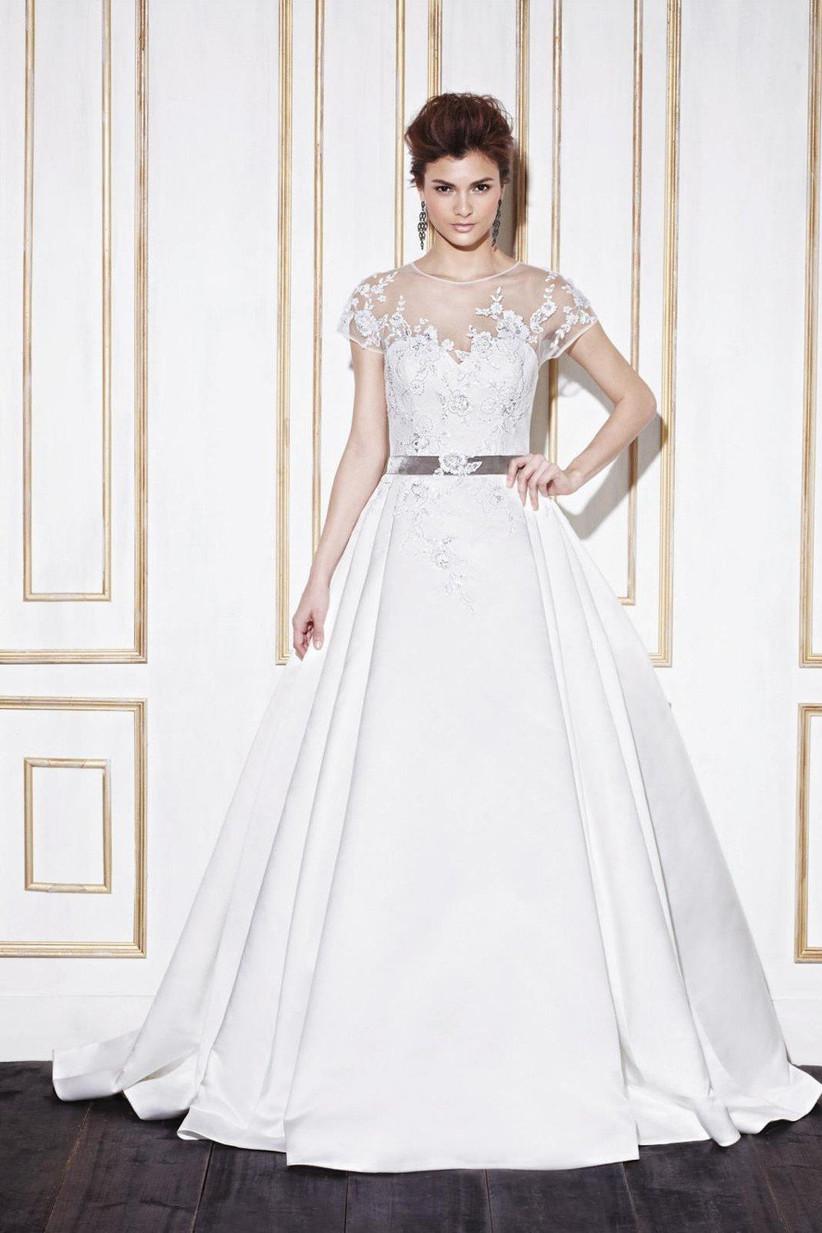 bigger-busted-brides-dress-ideas-2