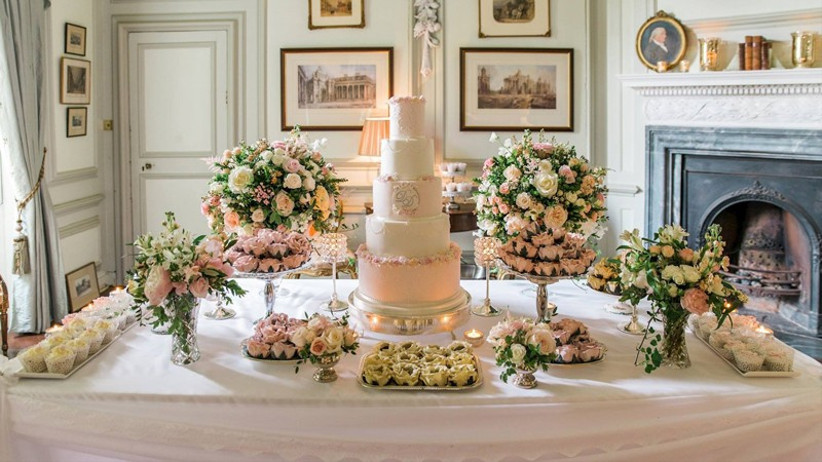 floral-wedding-cake-display