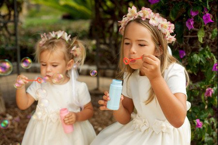 Wedding SOS: How to Keep Kids Entertained at a Wedding