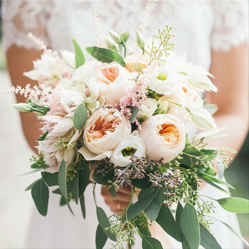 7 Things To Note Before Choosing Your Wedding Bouquet