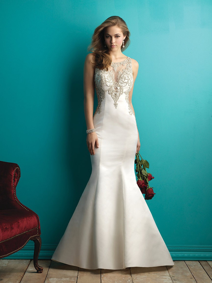 wedding-dresses-for-a-small-bust-11